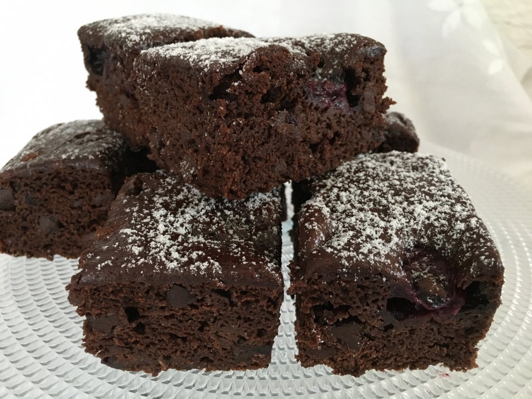 blueberry-brownies-large-vegan-gluten-free-september-2020--001.jpg