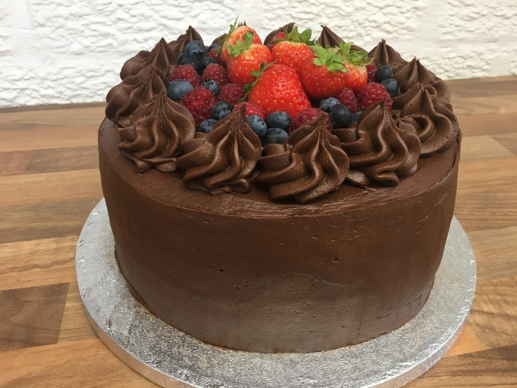 chocolate-fudge-cake-with-chocolate-mousse-frosting-and-fresh-berries-september-2020-3.jpg