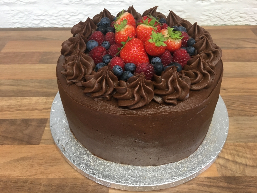 chocolate-fudge-cake-with-chocolate-mousse-frosting-and-fresh-berries-september-2020-4.jpg