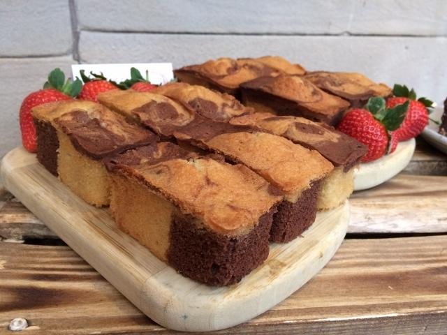 chocolate-marble-mini-loaves-on-display.jpg