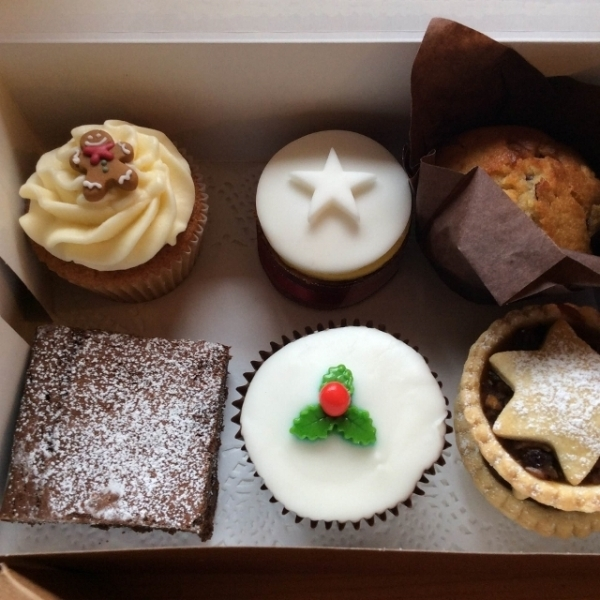 christmas-cake-selection-box