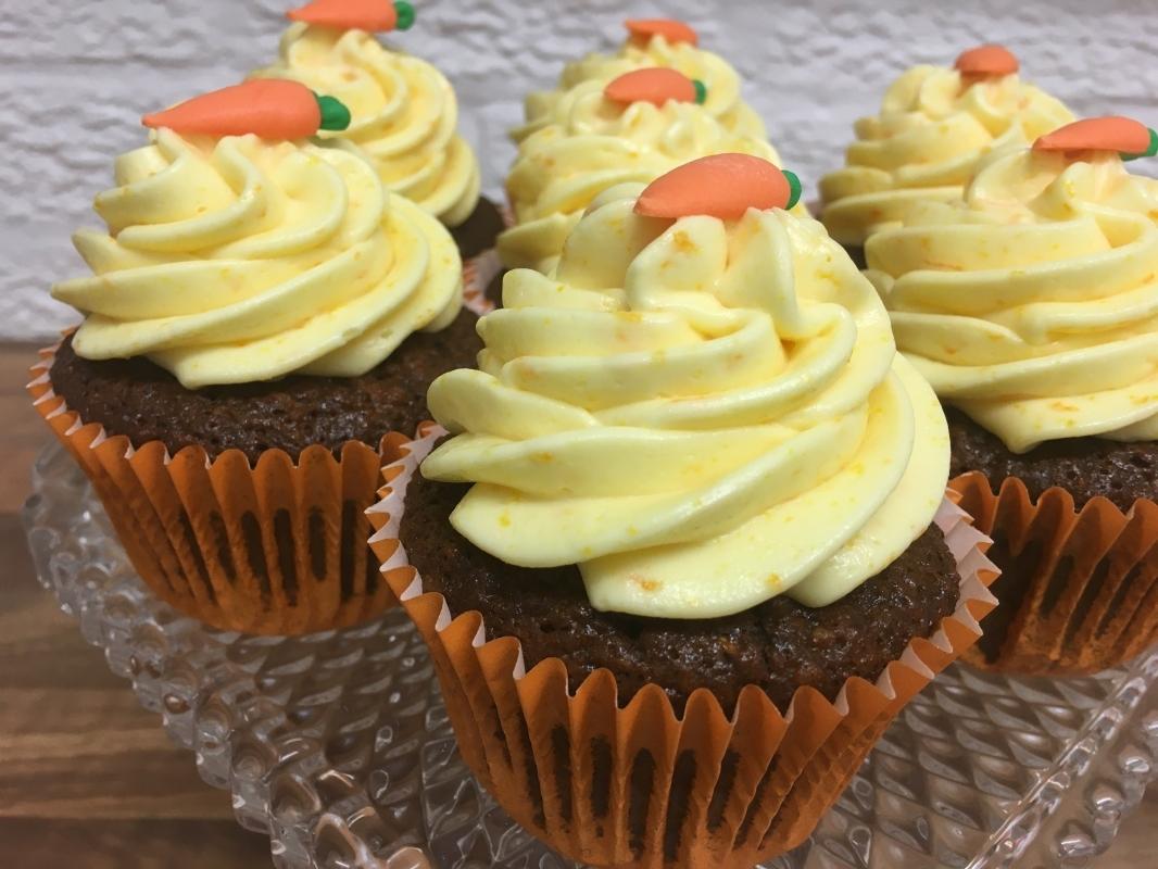 gluten-free-carrot-orange-cupcakes-on-cake-stand-december-2020-3.jpg