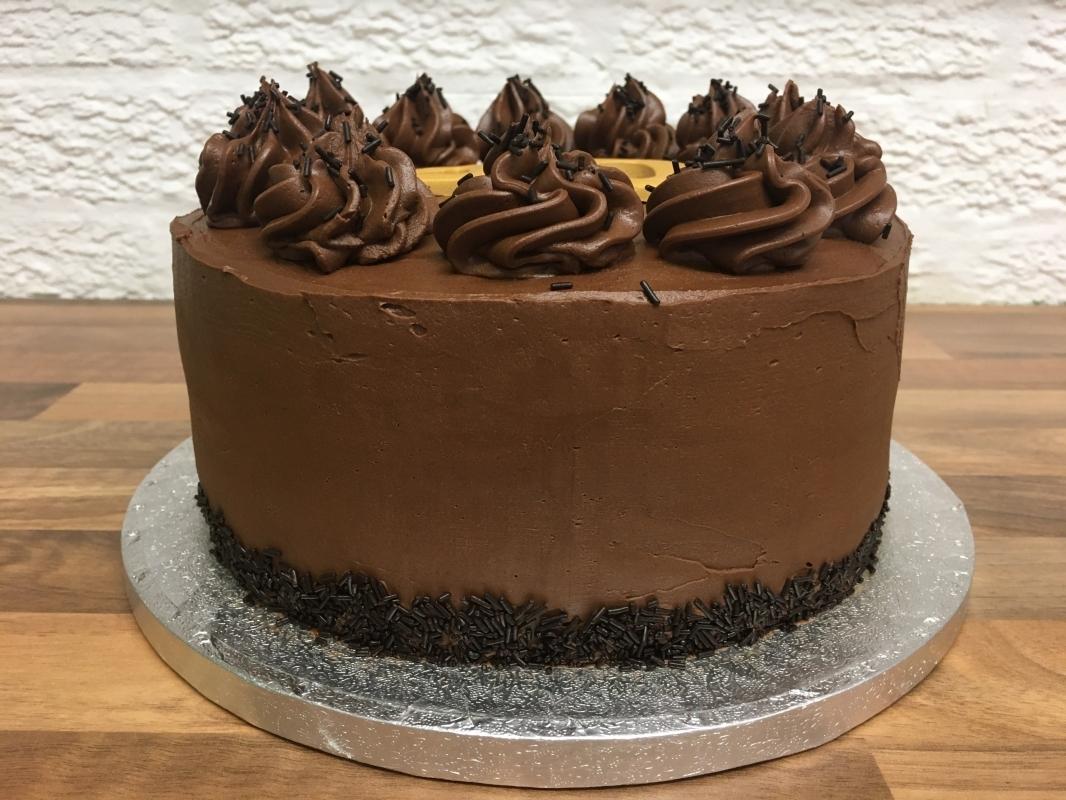 gluten-free-chocolate-fudge-cake-40th-birthday-001.jpg
