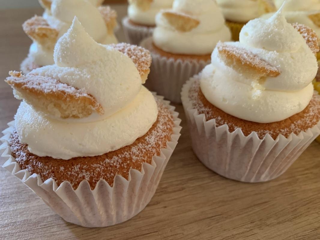 gluten-free-vanilla-butterfly-cakes-2021-.jpg
