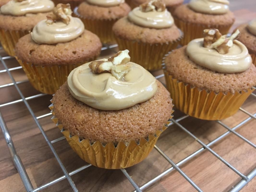 mini-coffee-walnut-cupcakes-2.jpg