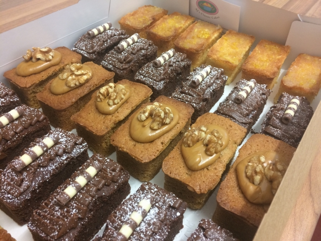 mini-loaves-selection-box-2.jpg