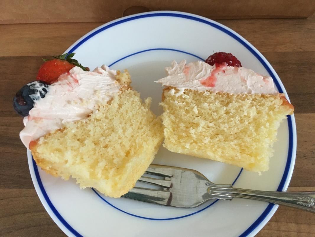 summer-fruit-cupcake-cut-in-half.jpg