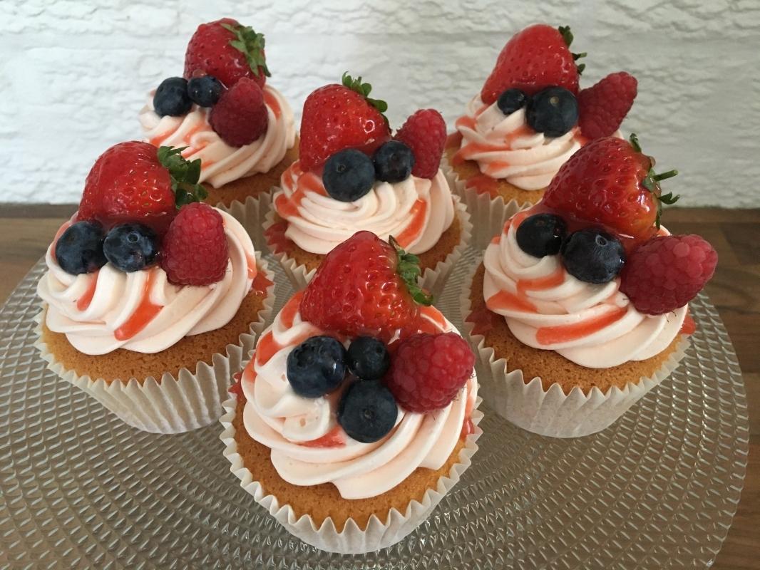 summer-fruit-cupcakes-gluten-free-september-2020-2.jpg