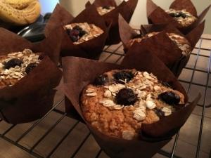 banana-blueberry-muffins-cooling-down-vegan-gluten-free-001.jpg