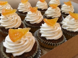 carrot-orange-cupcakes-with-candied-orange-vegan-gluten-free.jpg