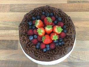 chocolate-fudge-cake-with-chocolate-mousse-frosting-and-fresh-berries-september-2020-001.jpg