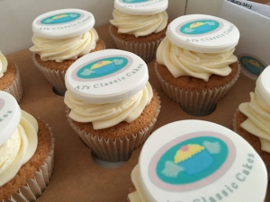 corporate-cupcakes-with-toppers-.jpg