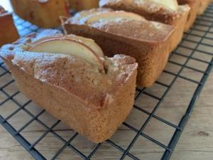 dorset-apple-mini-loaves-july-2021.jpg
