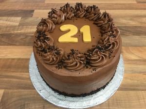 gluten-free-chocolate-fudge-cake-for-21st-birthday.jpg