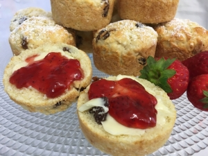 gluten-free-sultana-scones-small-with-fresh-fruit.jpg