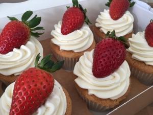 strawberry-cupcakes-may-2021-2.jpg