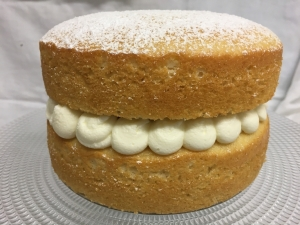 victoria-sponge-cake-with-buttercream-made-with-vegetable-oil-on-cake-stand-2.jpg