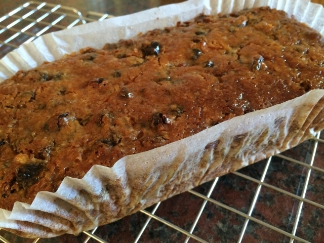 vegan-fruity-tea-loaf-001.jpg